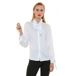 non iron blouse in white with loop tape on collar (removable) and cuff