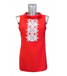 Sleeveless ring collar blouse in red with lace insert (zipper on the back)
