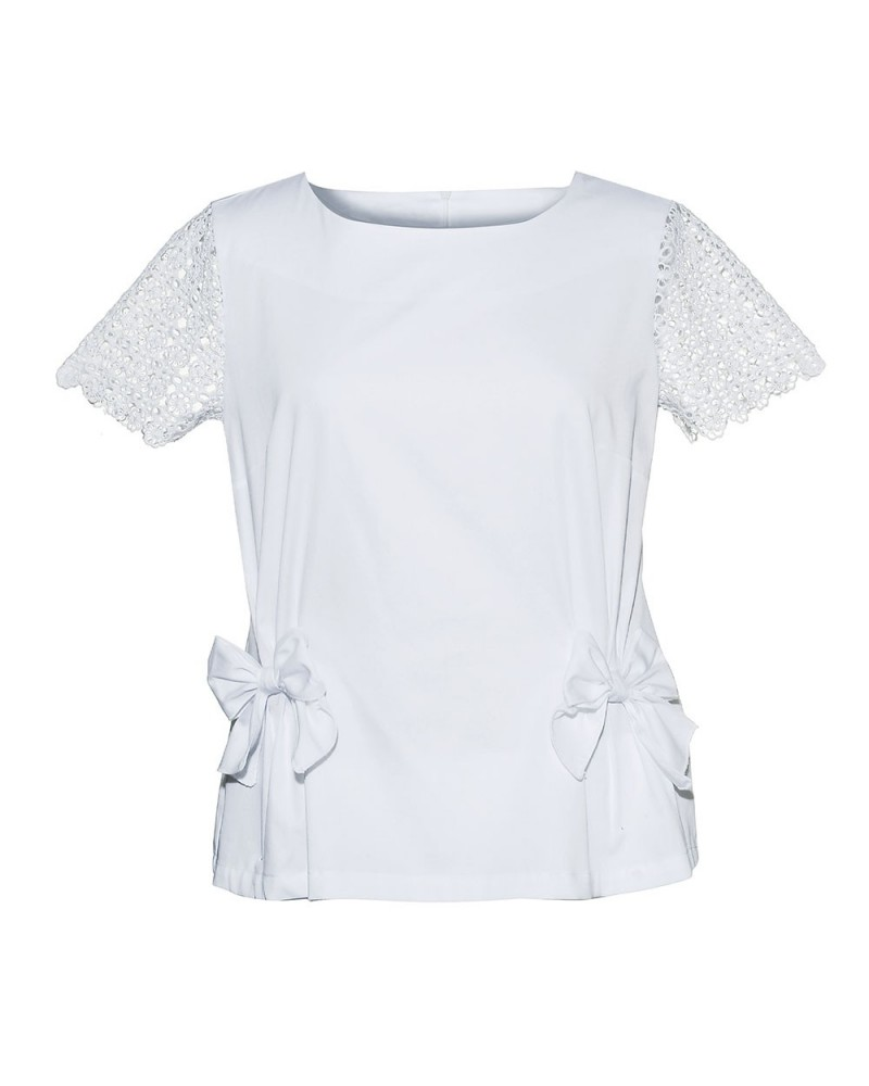 Loose-fitting short-sleeved blouse in white with embroidery, bow applications and zip at the back