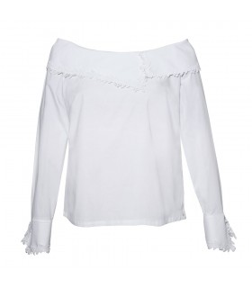 loose fitting blouse in white with fancy collar, embroidery and side zipper
