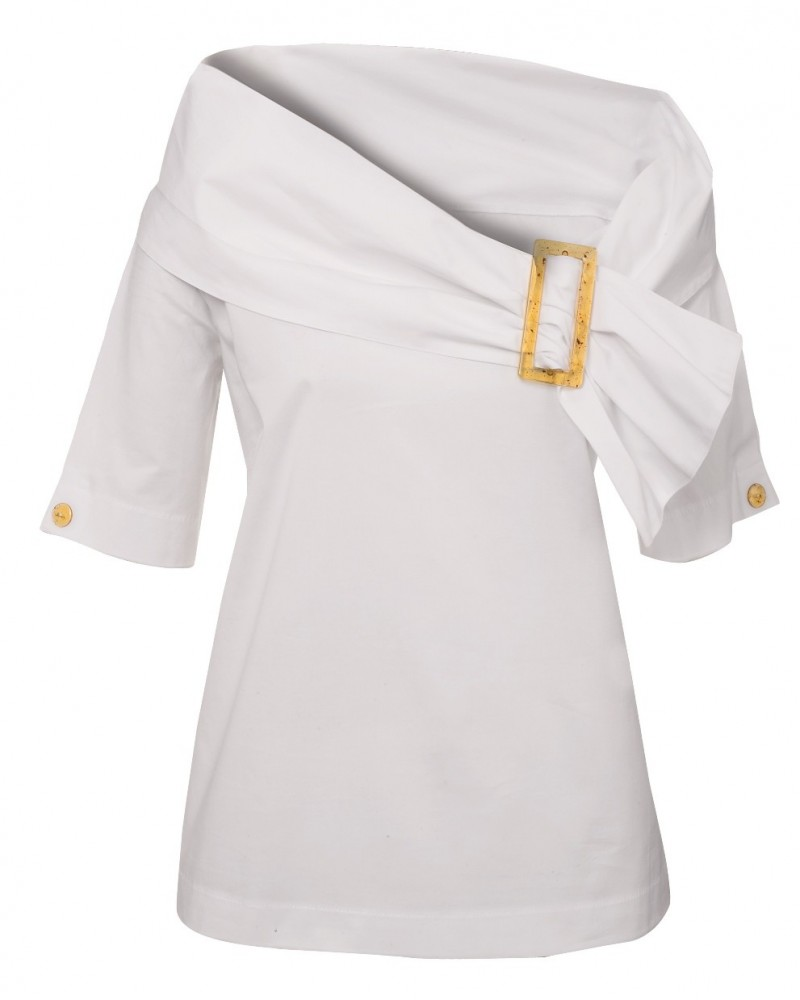 half sleeve A-line cotton blouse (overhead) with large collar closed by a buckle