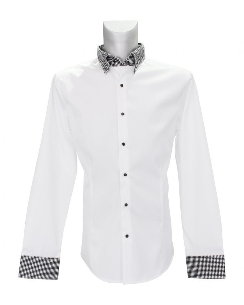 Non iron shirt in white with contrast pattern in black/white and fancy buttons